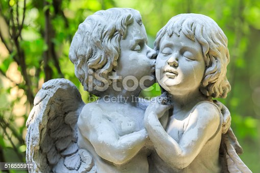 istock Little couple angel 516555912