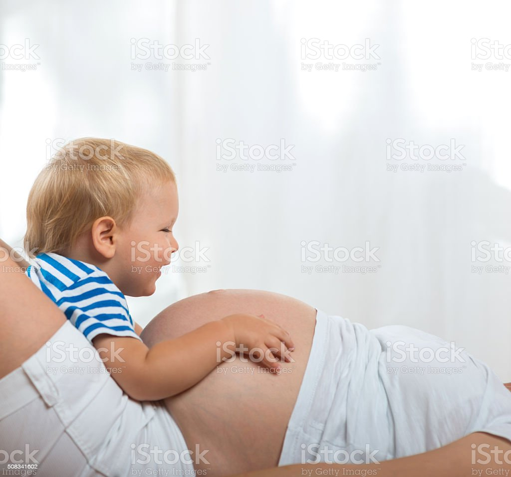 Матьбеременная от сына