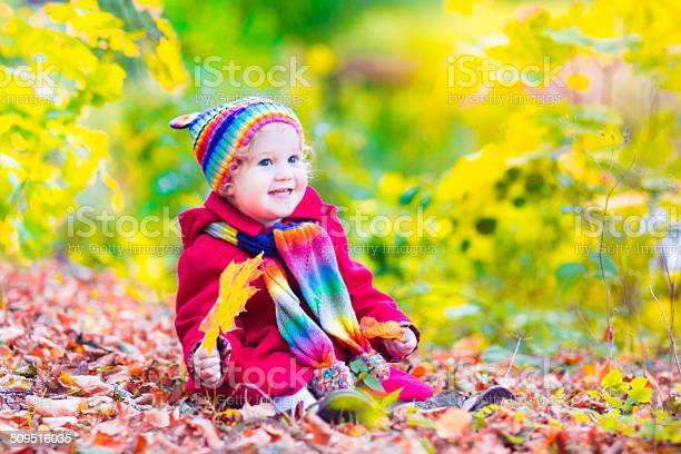 Little cute girl in an autumn park picture id509516035?b=1&k=6&m=509516035&s=612x612&h=rncmx5 3mjxw85xhuwczgs36vl4iqqyebp7o rd btg=
