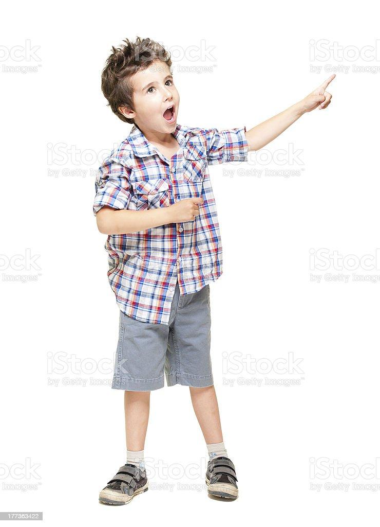 Little begeistert junge zeigt auf etwas – Foto