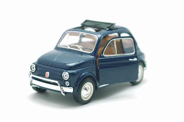 fiat 500 auto giocattolo piccolo - foto stock