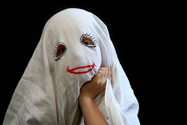 wenig lustiger ghost - geist kostüm stock-fotos und bilder