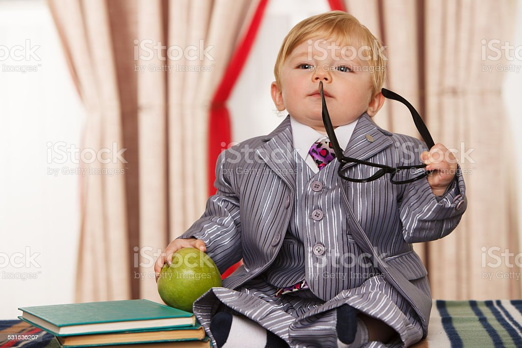 Kleines Genie mit Eyeglasses – Foto