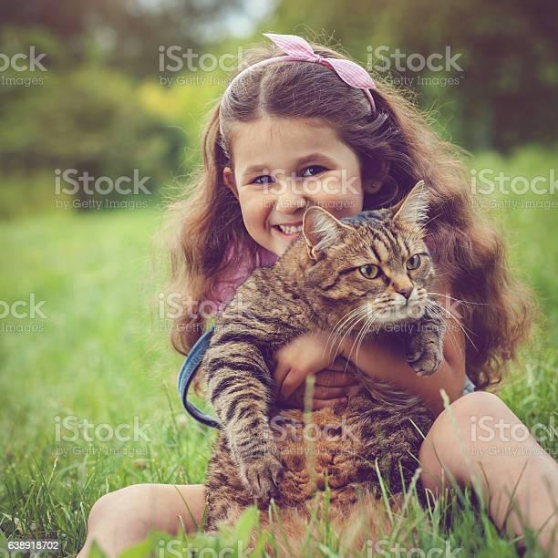 Little girl and her cat picture id638918702?b=1&k=6&m=638918702&s=612x612&h=ymilwl by4un bhzdpt6g3wyj6wdzrqq m2pem au5g=