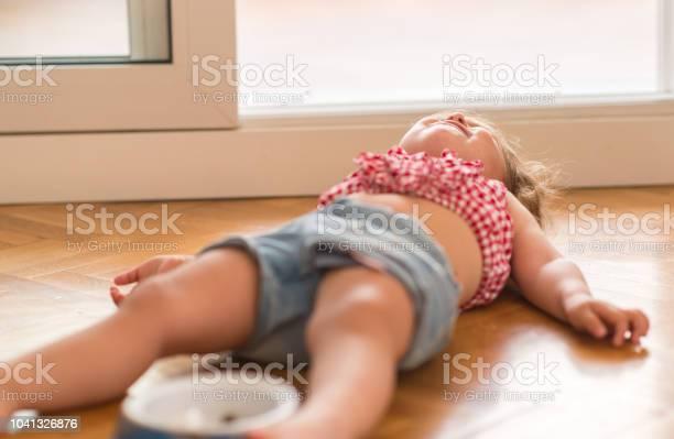 Little girl at home beautiful toddler picture id1041326876?b=1&k=6&m=1041326876&s=612x612&h=sssfht23oosvxyf0vydliiqrzyqv2942kmlyurvfh60=