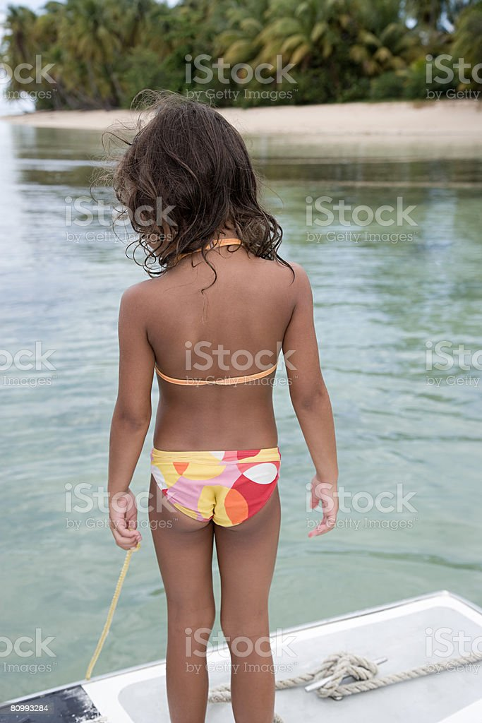 Kleine Mädchen am Meer Lizenzfreies stock-foto