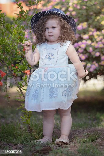istock Little girl fashion 1130057023