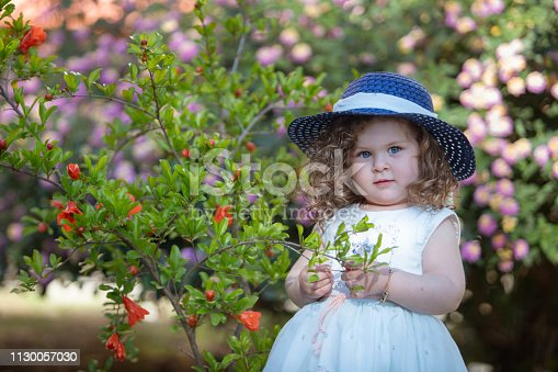 istock Little girl fashion 1130057030