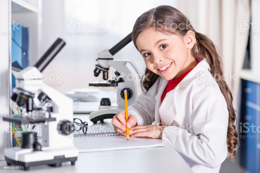 Little girl in laboratory royalty free stockfoto