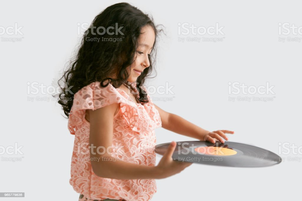 Little Girl Playing Retro Record - Стоковые фото 4-5 лет роялти-фри