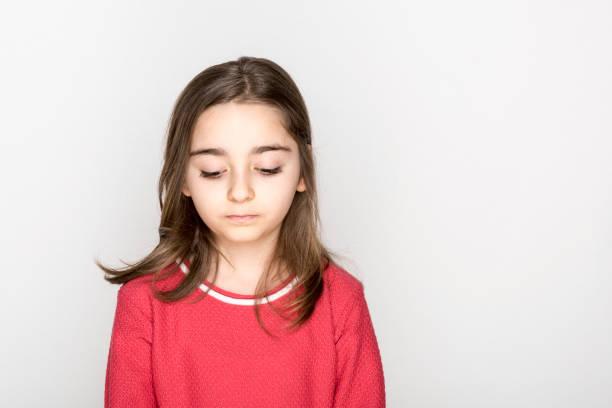 Kleines Mädchen Porträt isoliert – Foto