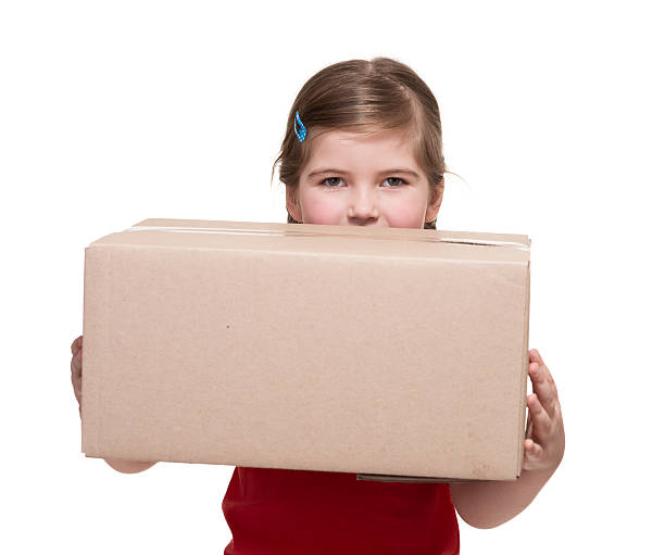 niña con gran paquete de - suministros escolares fotografías e imágenes de stock