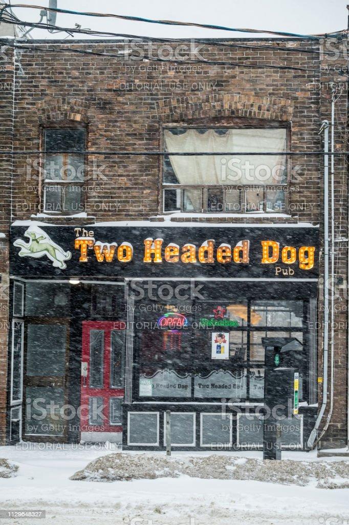 Wenig Indien Street Store Fassaden bei Wintersturm – Foto