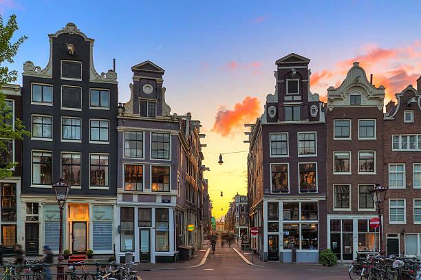 little nine streets sunset - keizersgracht stockfoto's en -beelden