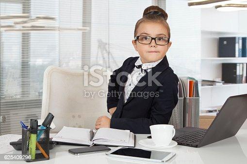 istock Little office worker 625409296