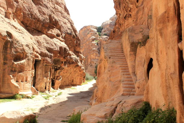little petra in jordanien - miniature wunderland stock-fotos und bilder