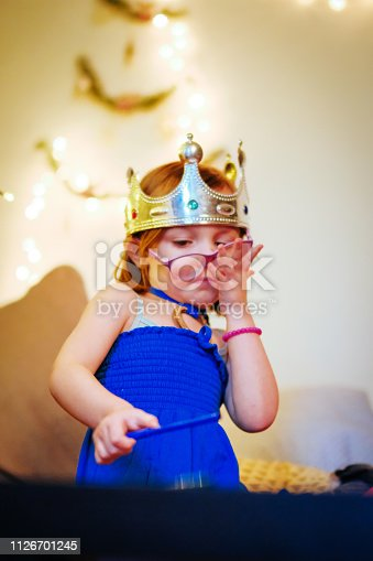 Child, Crown, Draw, Eyeglasses
