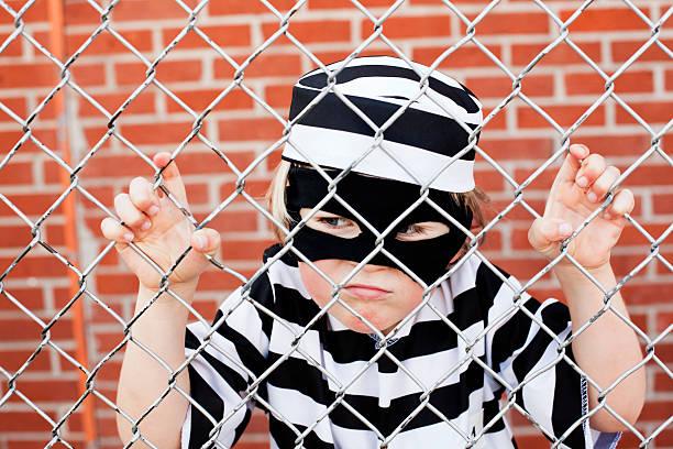 rebellin - kleine jungen kostüme stock-fotos und bilder