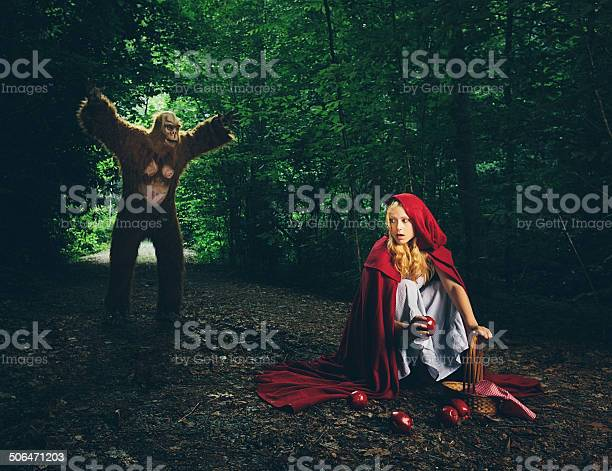 Little red riding hood lost in the forest picture id506471203?b=1&k=6&m=506471203&s=612x612&h=ce4ljvezgypi59ymcq10h2f9hijshpufl4 v0hdzyvq=
