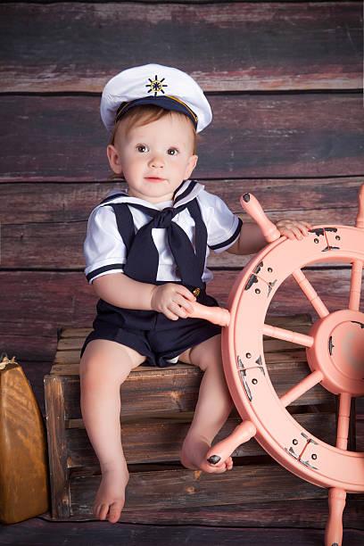 kleine sailor - matrosin kostüm stock-fotos und bilder