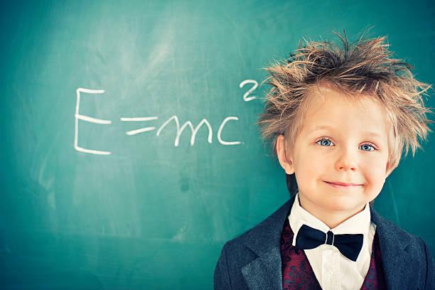 little científico - e=mc2 fotografías e imágenes de stock