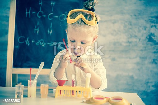 istock Little scientist 489982360
