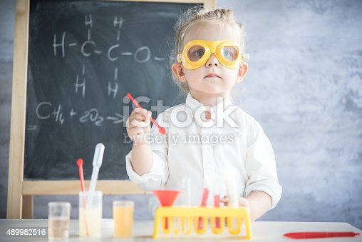 istock Little scientist 489982516