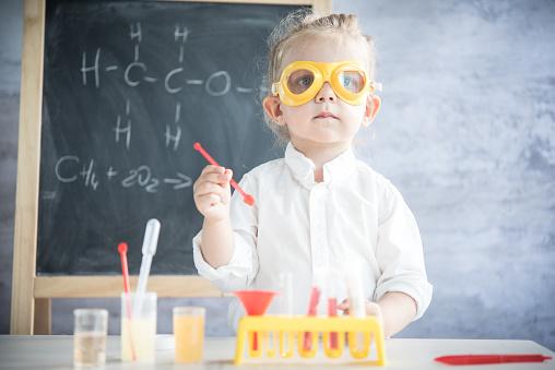 istock Little scientist 489982516