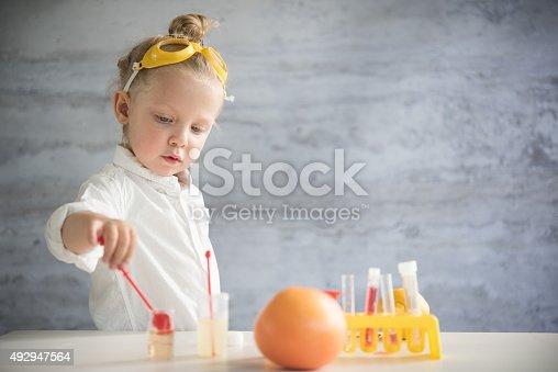 istock Little scientist 492947564