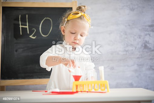istock Little scientist 492991074
