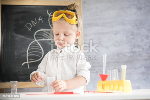 istock Little scientist 492991180