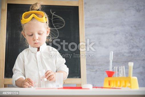 istock Little scientist 492991224