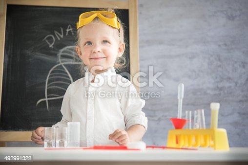 istock Little scientist 492991322