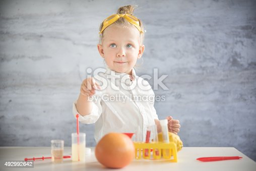 istock Little scientist 492992642