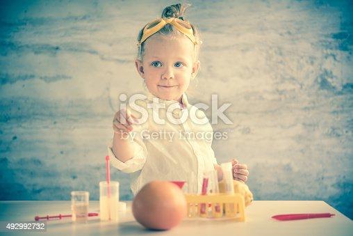 istock Little scientist 492992732