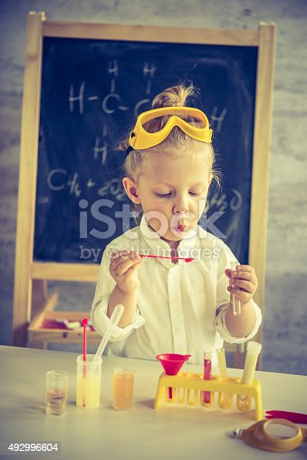istock Little scientist 492996604
