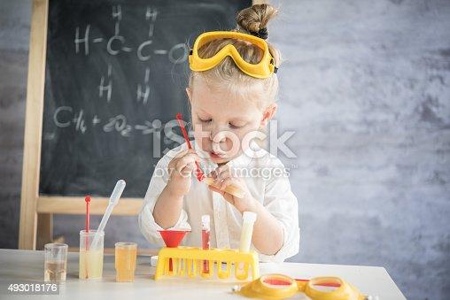 istock Little scientist 493018176