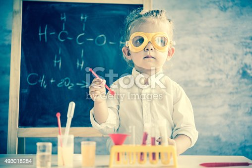 istock Little scientist 493018284