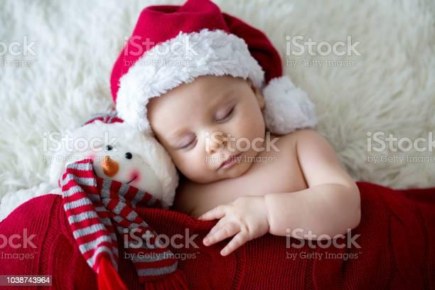 Little sleeping newborn baby boy wearing santa hat picture id1038743964?b=1&k=6&m=1038743964&s=612x612&h=vjpv9y6pnyfnpezs9w9z6abh66sshxt6bqj2tq  tww=