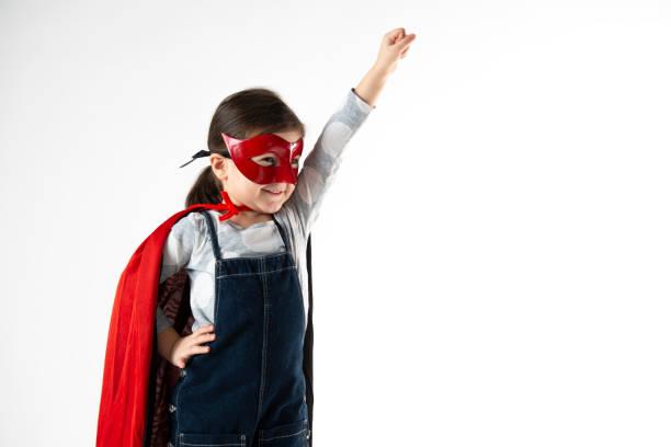 liten superhjälte flicka - superwoman barn bildbanksfoton och bilder