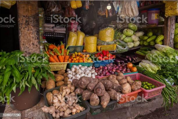 Little vegetable store asia vegetable store picture id1036072290?b=1&k=6&m=1036072290&s=612x612&h=hejzq taxc kamlrwmv vvlferd7tryqc ck5qflbbw=