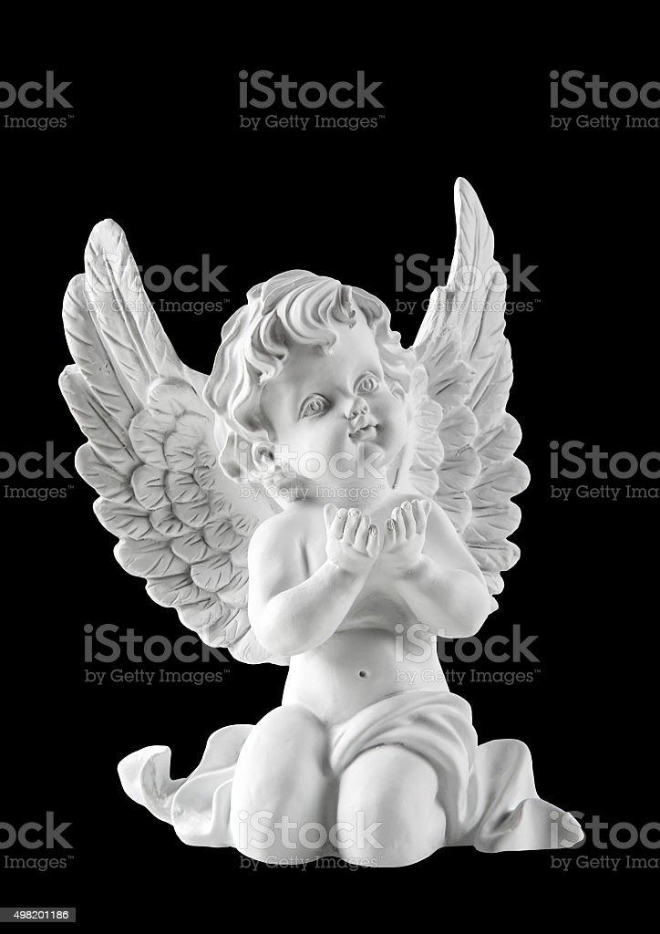 Little white guardian angel isoliert auf schwarzem Hintergrund – Foto