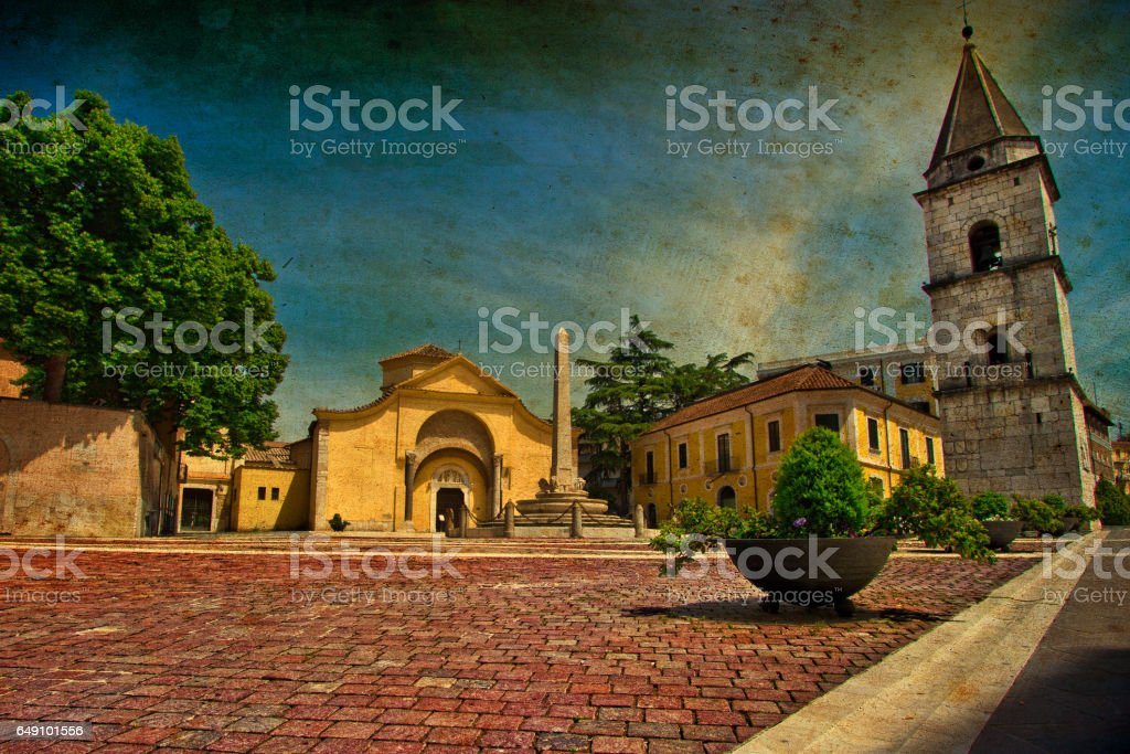 Little Yellow Church (Canvas) - foto stock