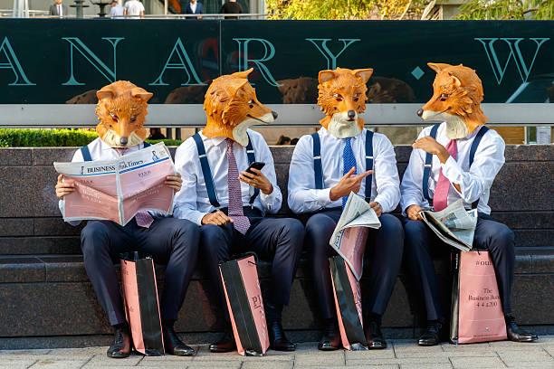 live action promotional campaign - mascotte photos et images de collection