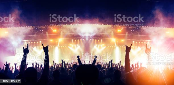 Live music crowd picture id1056085362?b=1&k=6&m=1056085362&s=612x612&h= vbf3t4thrwanp8d2cil0h10x3 tlrwf8n9v6w9o89c=