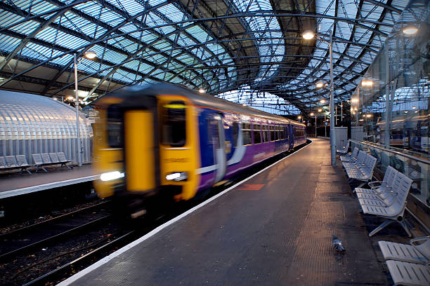 Liverpool train station motion blur  northwest england stock pictures, royalty-free photos & images