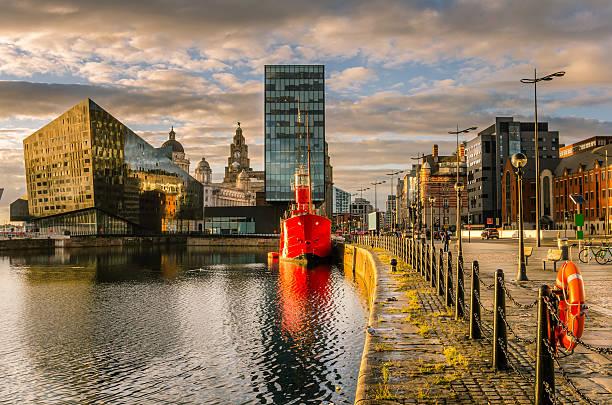 Liverpool Waterfront bei Sonnenuntergang – Foto