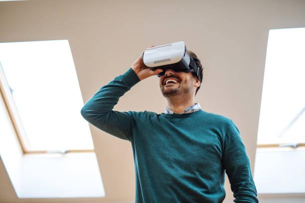 living in a 3d world - ritratto 360 gradi foto e immagini stock