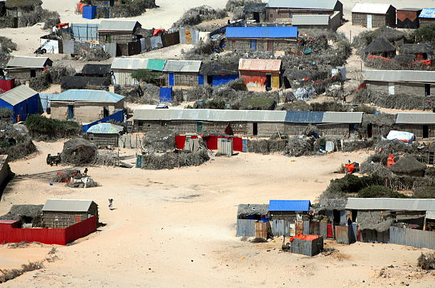 living in the desert - somalia stock photos and pictures