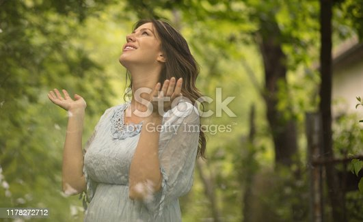 Living life. Beauty woman in nature.